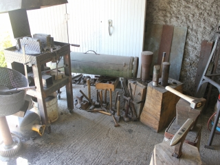 Coin forge